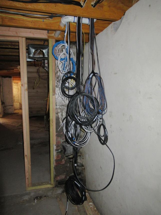 Basement wiring av.JPG